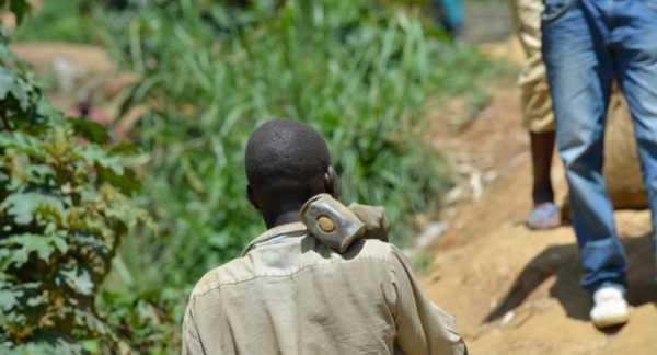 An artisanal miner in DRC.
