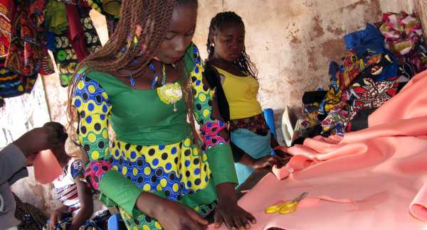 Sewing apprentices take part in a Pact program that is reducing child labor in mining in DRC by helping older children find alternative means of income. (Photo: Pact)