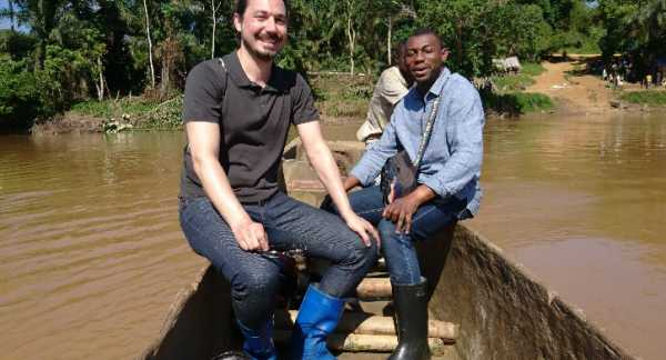 Mickaël Duadin and Pact/ITSCI project Manager in Maniem Province, Alpy Songoli