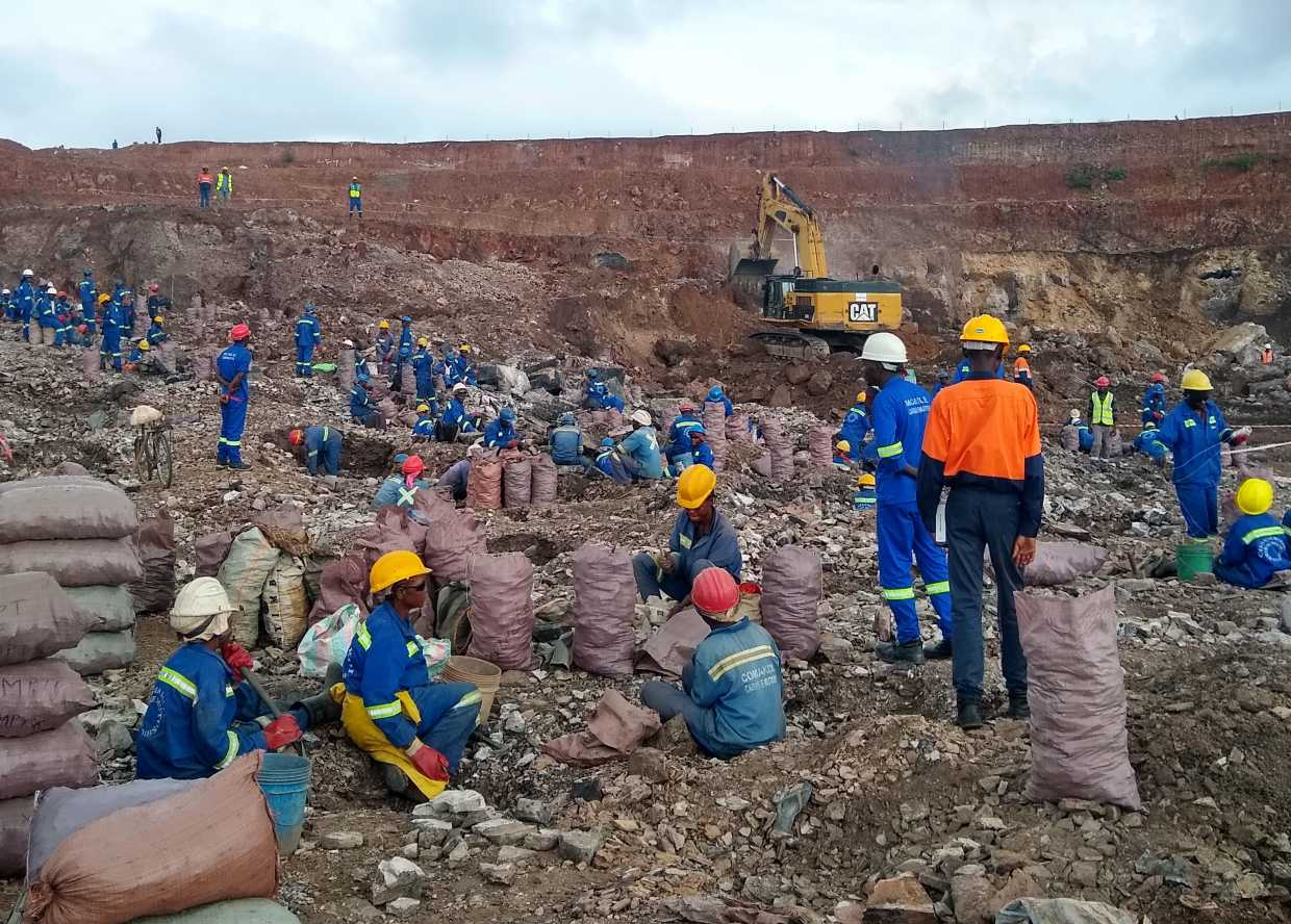 Artisanal miners at work in the Democratic Republic of Congo. (Photo: Pact)
