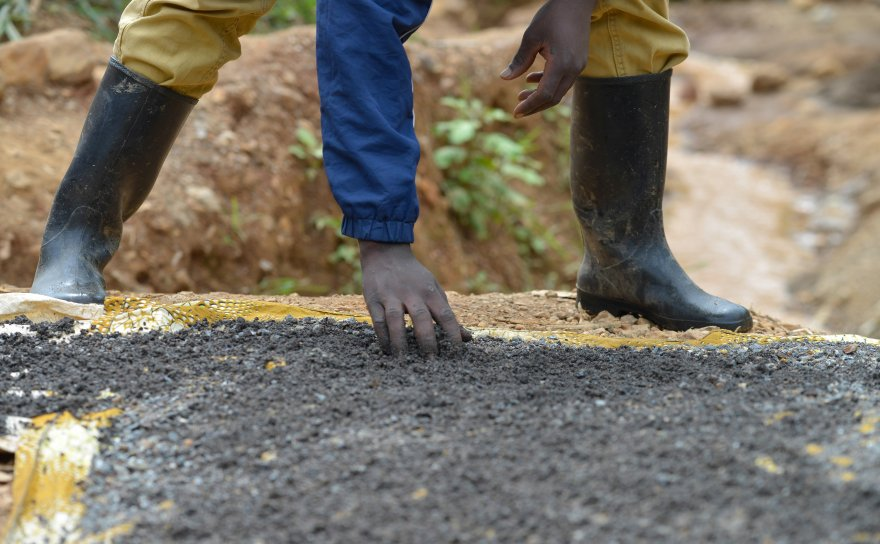 Pact, AOC and Philips Monitors partner to improve responsible sourcing of minerals in the Democratic Republic of Congo