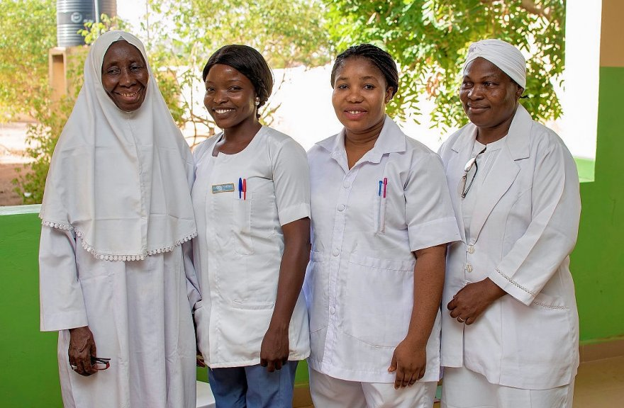 In Nigeria, midwives come out of retirement to share life-saving skills